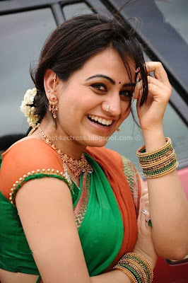 Aksha Latest Cute Gallery in Saree
