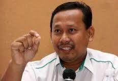 KURANG AJAR SUHAIZANKAYAT PERLEKEH GAJI PENSYARAH MALAYSIA