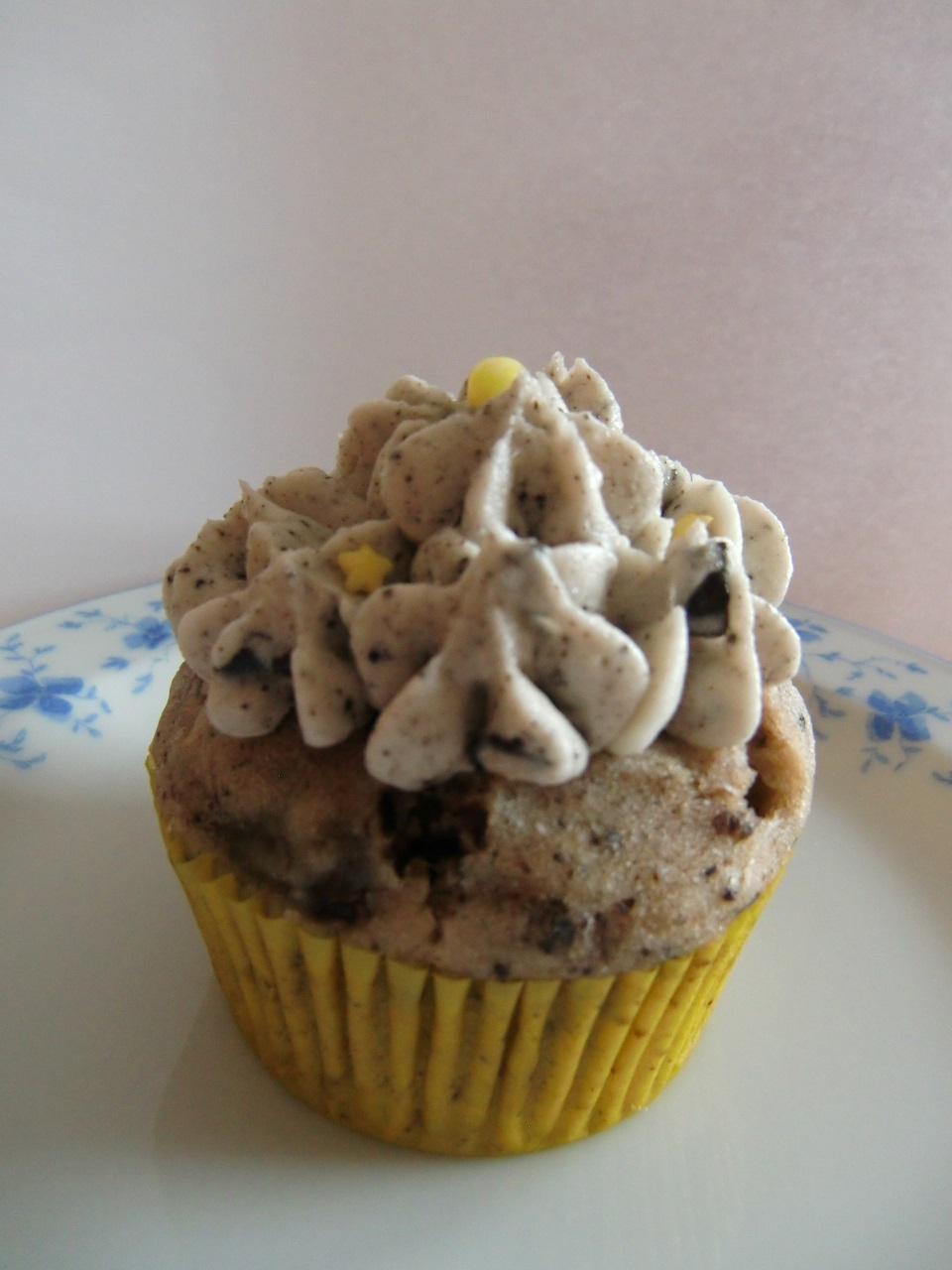 C Ciles Cupcake Caf Heavenly Delight Cupcake Laden In
