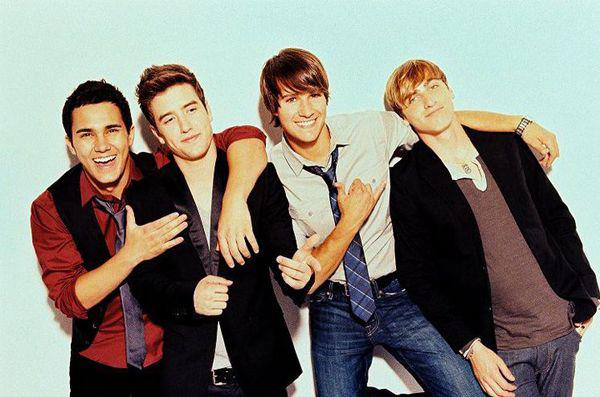 1 the mom song 2 famous 3 oh yeah 4 any kind of guy5 if i ruled the world feat iyaz 6 beautiful christmas 7 this is our someday 8 big time rush - Big Time Rush Beautiful Christmas