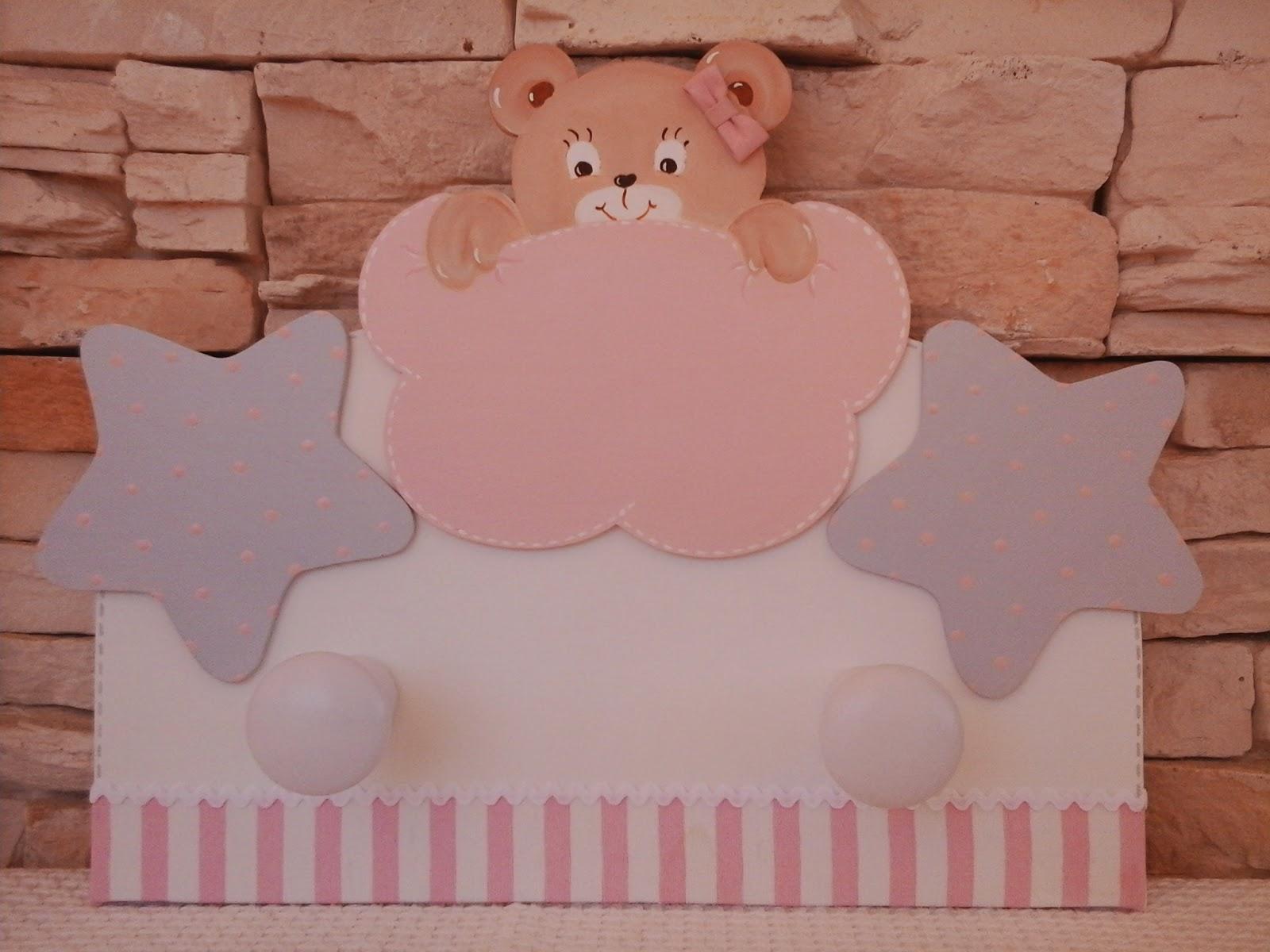 Decoraci n infantil pekerines perchas de pared para ni s for Colgadores para perchas