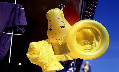 Preservativo amarillo