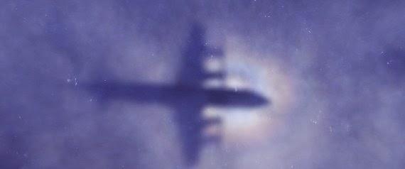 Pencarian Pesawat Malaysia Airlines MH370 Berlanjut Sebagai Hasil Dari Pencarian di Barat Perth