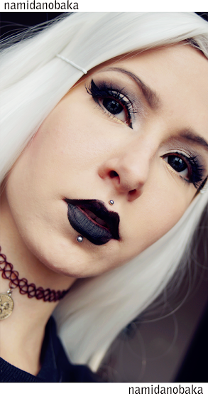 Halloween Witch: Dolly Eye Ace Black Lenses