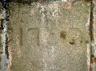Detall de la data gravada del 1790 a la Font Gran
