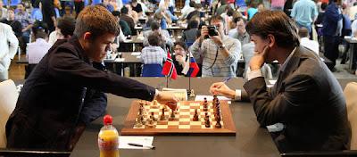 Echecs à Bienne : Magnus Carlsen (2821) 1/2 Alexander Morozevich (2694) © site officiel