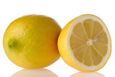 Un limón entero y una mitad