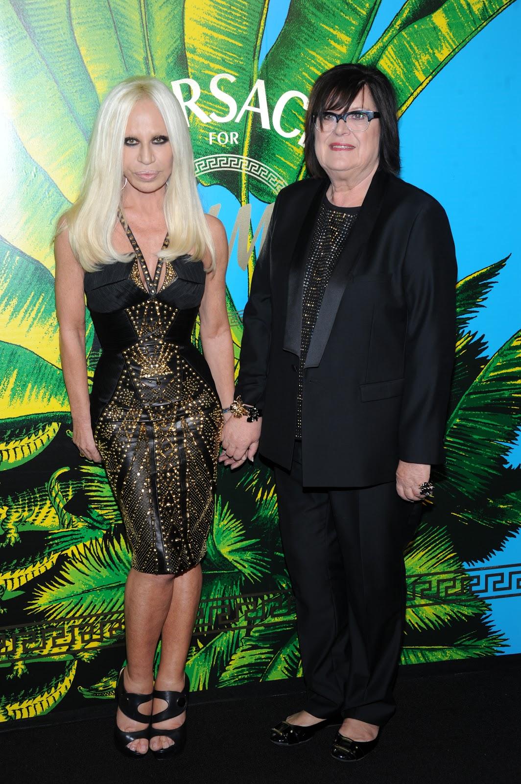 http://3.bp.blogspot.com/-M7ztqv7_AjQ/TrplAAJZi4I/AAAAAAAABc0/f-xJNUCJDjg/s1600/Donatella+Versace%252C+Margareta+van+den+Bosch-2.jpg