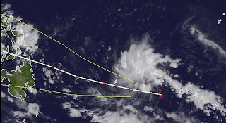 Tropischer Sturm 27W (potenziell Taifun WASHI / SENDONG) marschiert weiter in Richtung Philippinen, Washi, Philippinen, aktuell, Satellitenbild Satellitenbilder, Dezember, Taifunsaison, Pazifik, 2011,