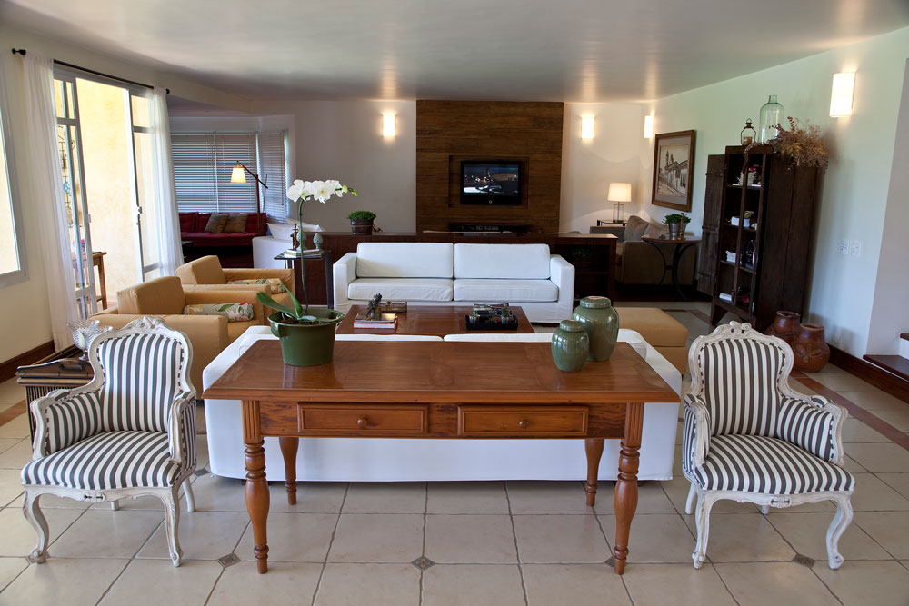 Eliane sampaio interiores madeira de demoli o - Interiores casa de campo ...