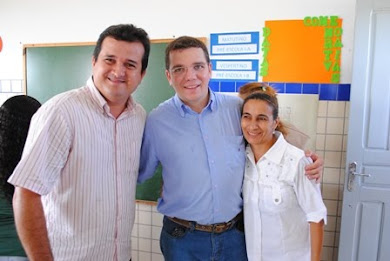 O GESTOR MUNICIPAL IVAN JÚNIOR E O VICE ALBERTO LUIS LUIS ACOMPANHANDO O PROJETO NOS BAIRROS
