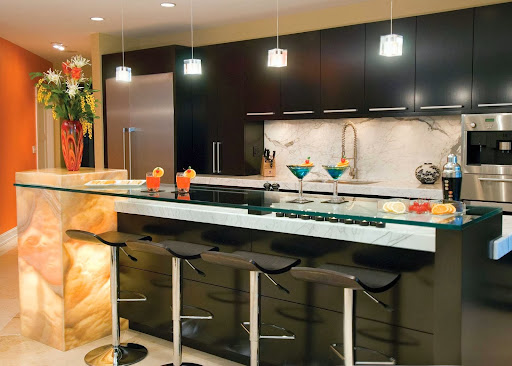 Interior kitchen design with mini bar | Home Interior