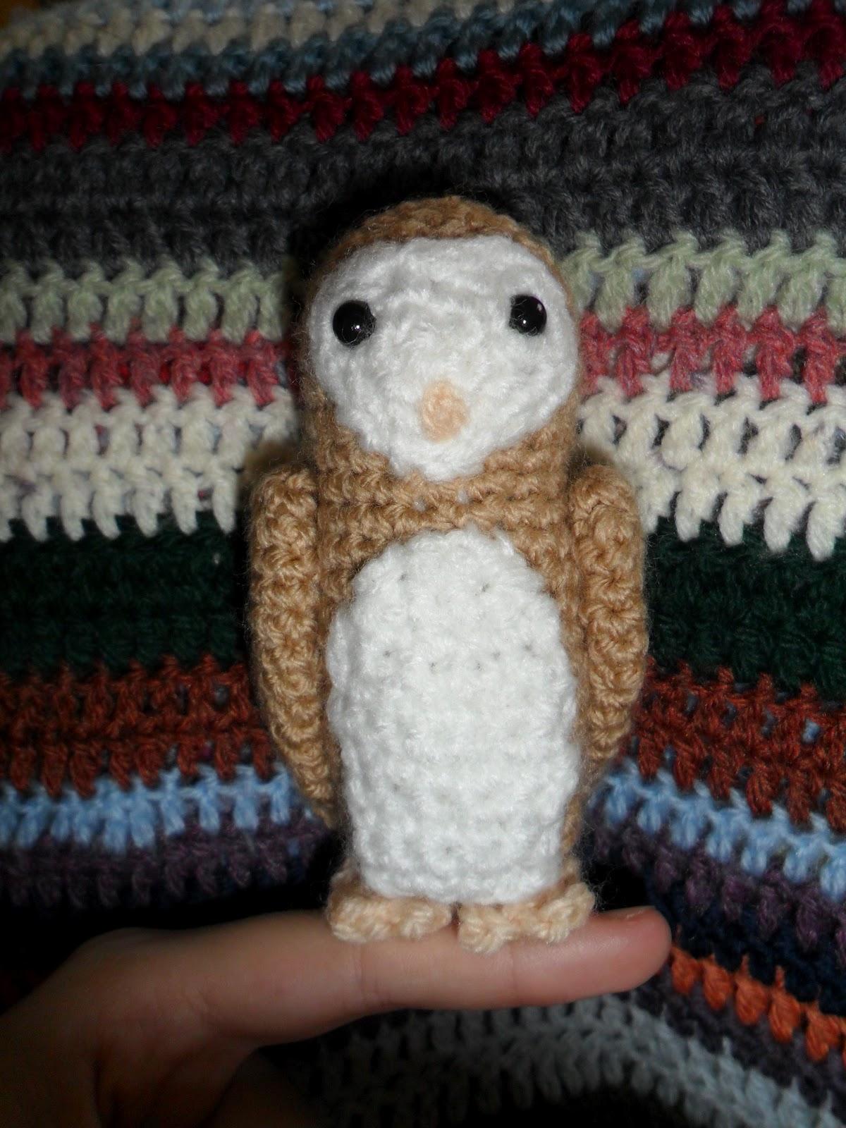Amigurumi Barn Owl : The Smiling Robot: Titus the Barn Owl Pattern
