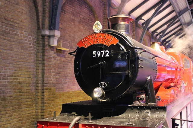 A picture of the Hogwarts Express
