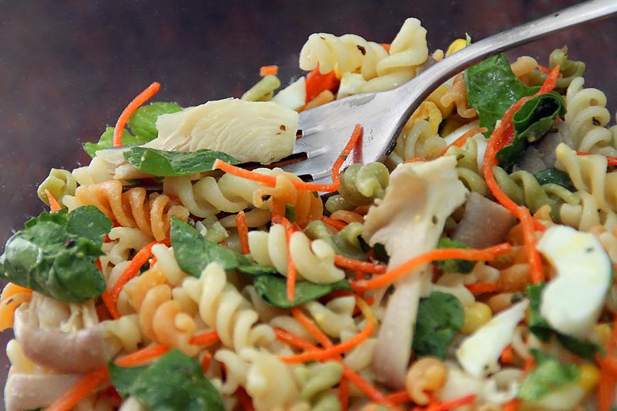 Dvicio ensalada de pasta con espinacas y setas - Ensalada fresca de pasta ...