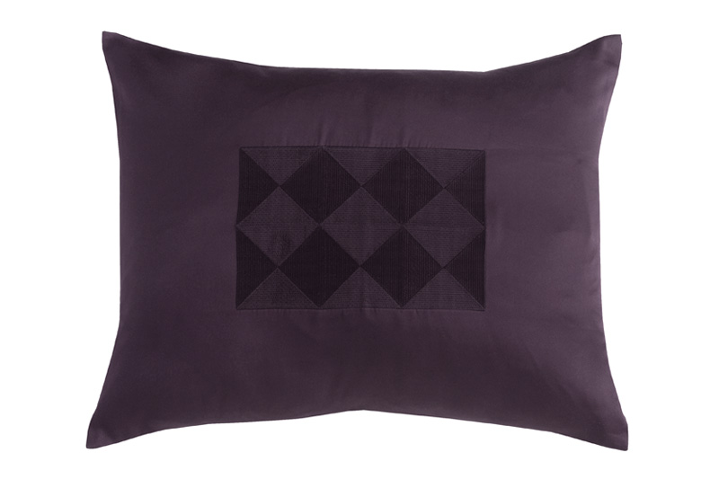 Luxury Decorative Pillow Collection : Luxury Life Design: Black is Back DKNY s Sophisticated Bedding Collections