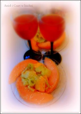 Sałatka z owocem Szarona