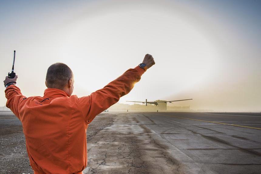 Το Solar Impulse 2 απογειώθηκε από το Αμπού Ντάμπι
