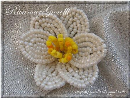 narciso fiore di perline
