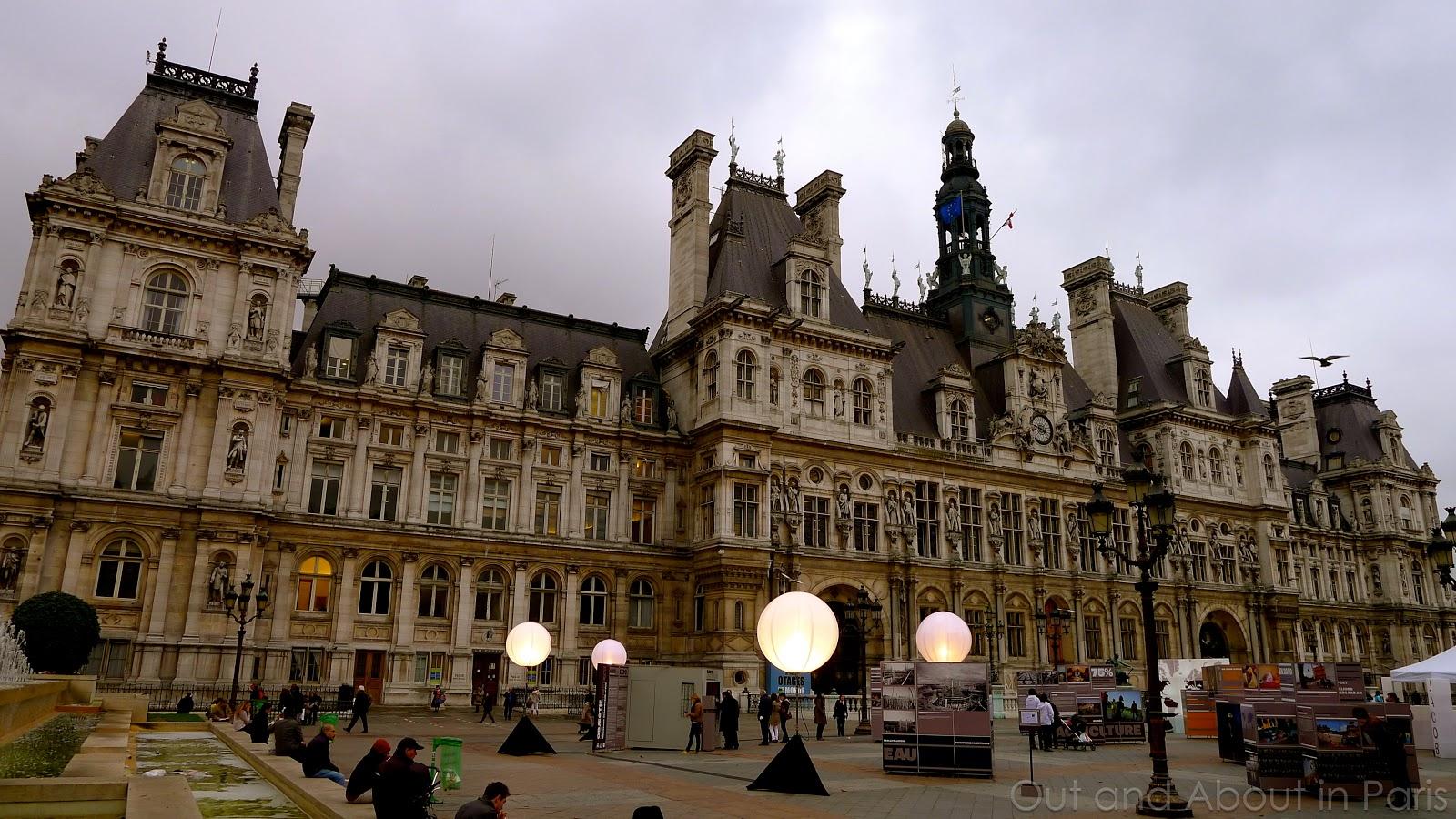 H tel de ville in paris you 39 ve seen the outside now it 39 s for Hotel deville paris