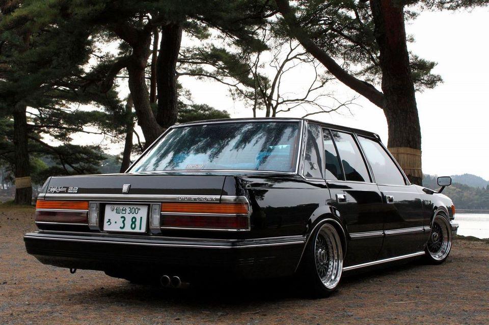 Toyota Crown  stary japoński samochód, klasyk, oldschool, 日本車, クラシックカー