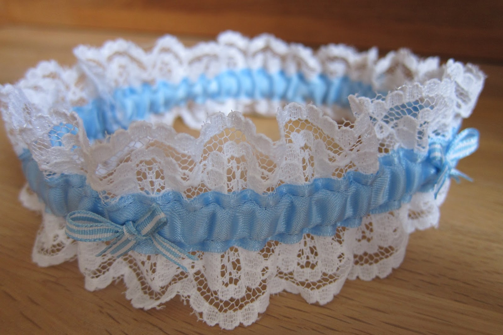 The Pink Button Tree How To Make A Bridal Garter