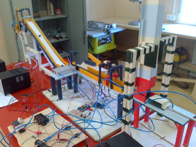 Automatizacion de proceso industrial con Picaxe 18M2+