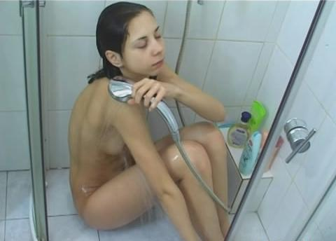 Blind folded girl gives delicious blowjob and swallows 2