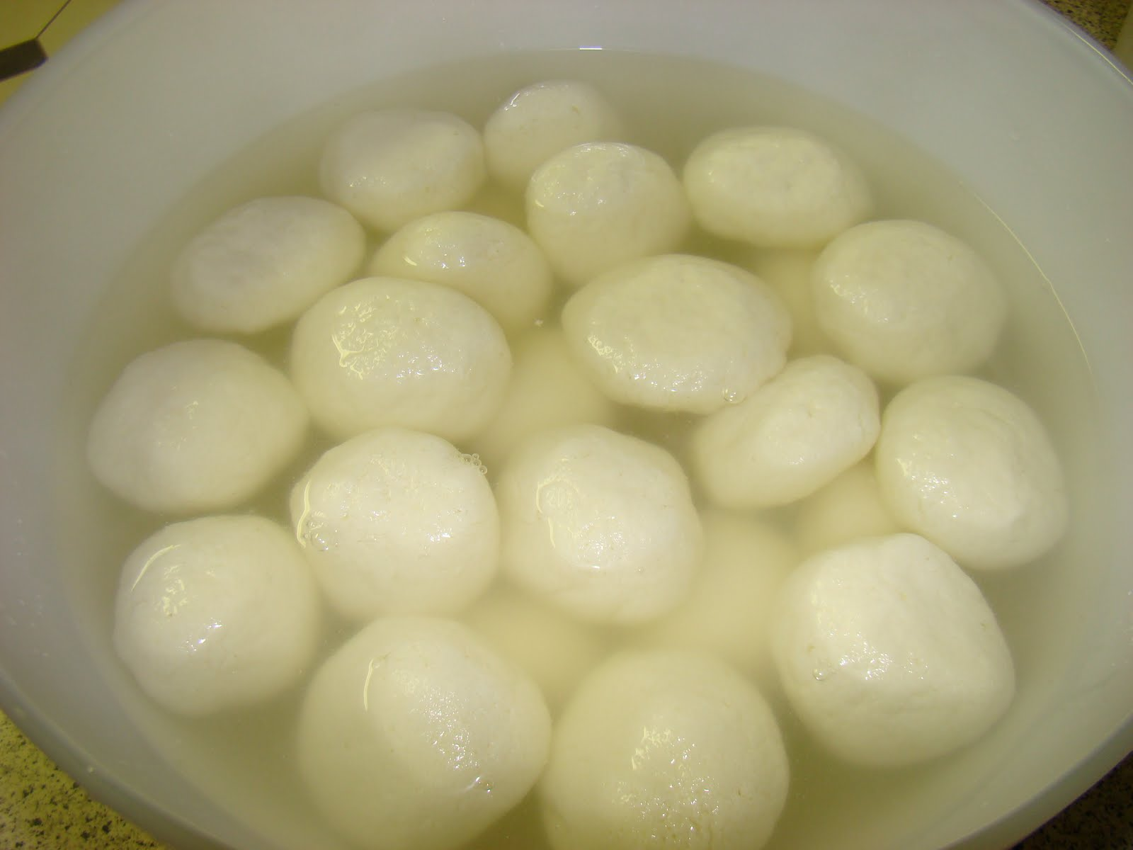Soft Spongy Balls Of Cottage Cheese Soaked In Chilled Sugar Syrup Nicely Made Rasgulla Melts Your Mouth And Leaves You Wanting Morealways