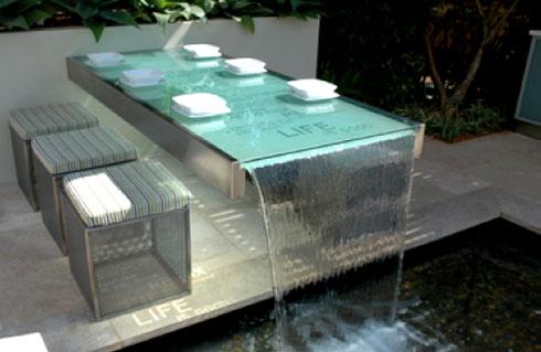 Arquitetos brasileiros apostam na decoração com água.