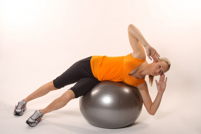 Dumbbell ball crunch