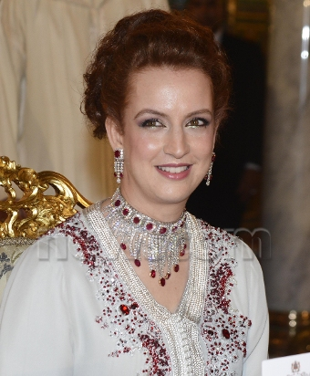 Worn In Week Lalla Salma Wears Burberry To Receive Hollande The Royal Couturier