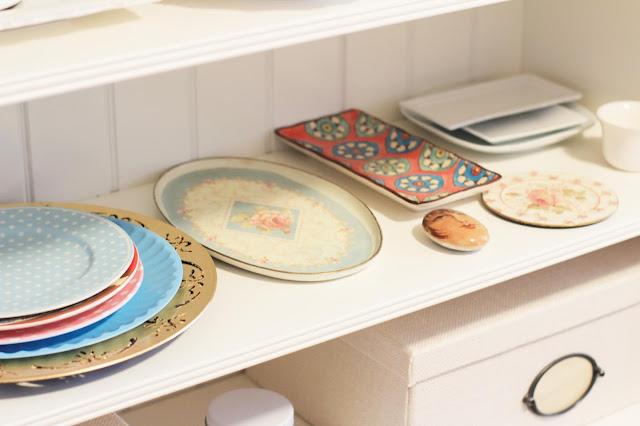 Craft room, cuarto de manualidades, platos