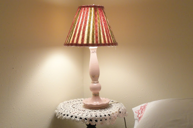 Griggs dakota how to decorate a lamp shade for Decorate your own lampshade