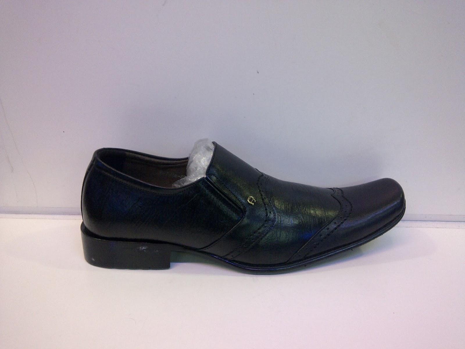 Sepatu Pantofel Aigner kerja,