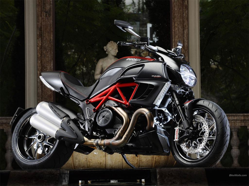 http://3.bp.blogspot.com/-MBILXjBSmd4/Td5kdlSEHTI/AAAAAAAAAFU/35w3FlBtVXs/s1600/Ducati_Diavel_2011_11_1024x768.jpg