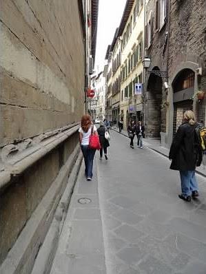 Walking-In-Florence