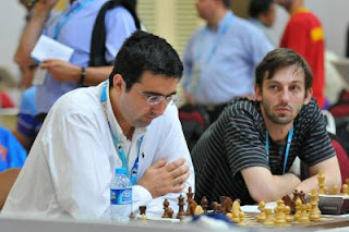 Les deux premiers échiquiers de l'équipe russe avec Kramnik et Grischuk © site officiel