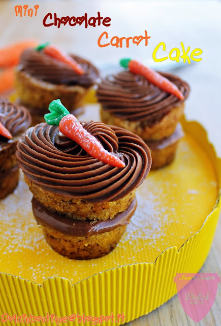mini chocolate carrot cakes