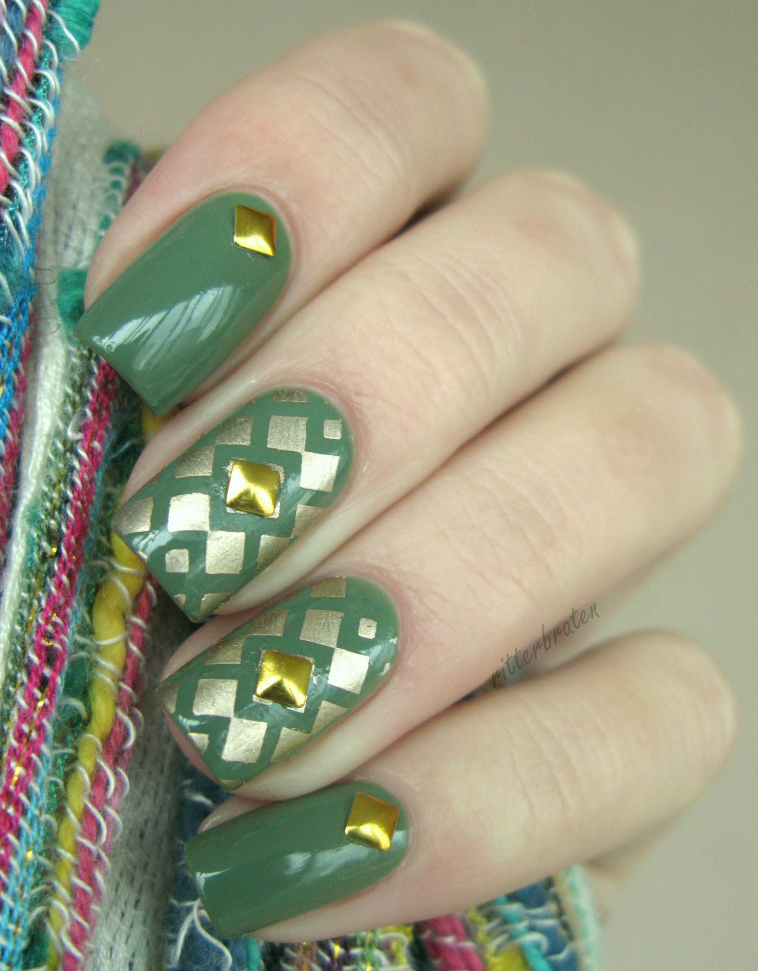 studs manicure