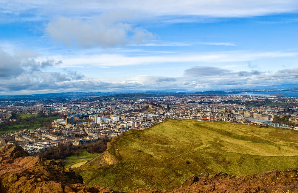 arthur's seat edinburgh top of the hill view