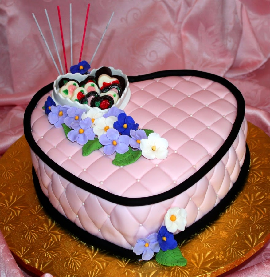 Love Shape Cake Images : HD BIRTHDAY WALLPAPER : Birthday Lovers Wishes Cake Heart ...