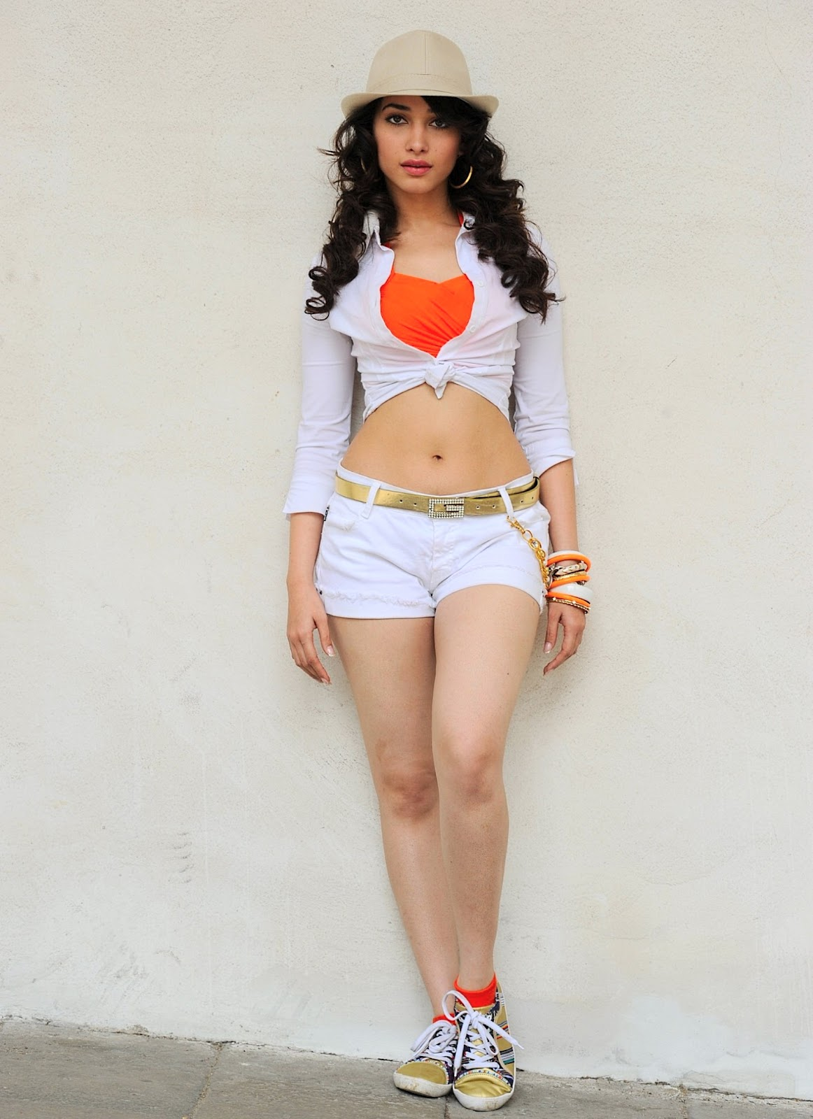 Unseen Sexy Tamanna Curvy Body & Thigh Show