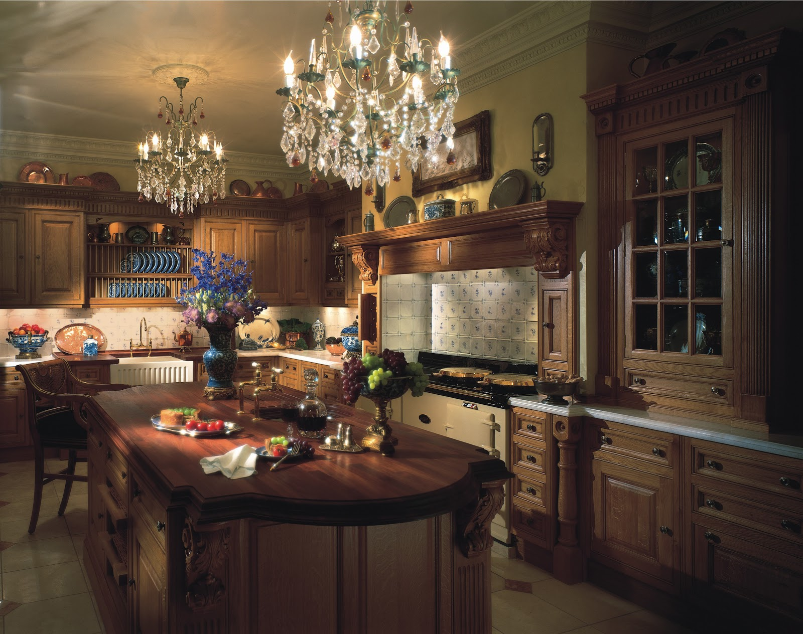 Tradition interiors of nottingham clive christian luxury for Victorian kitchen designs