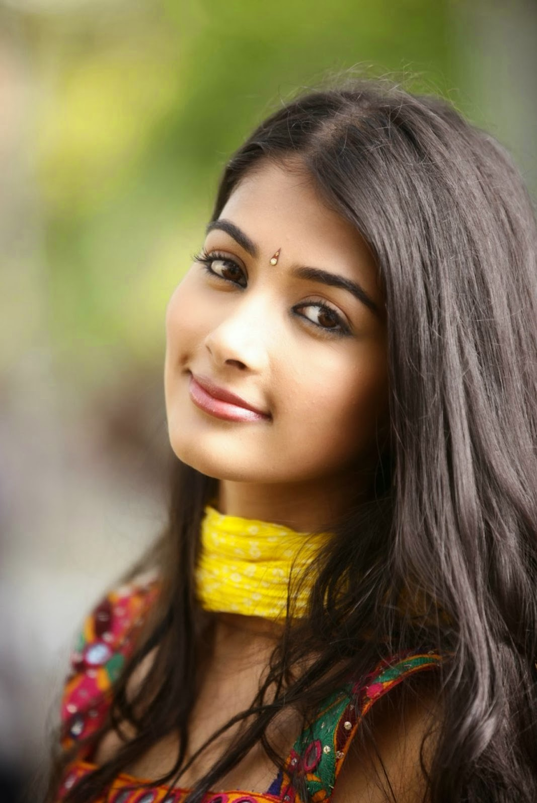 hd wallpapers: pooja hegde latest hd wallpapers