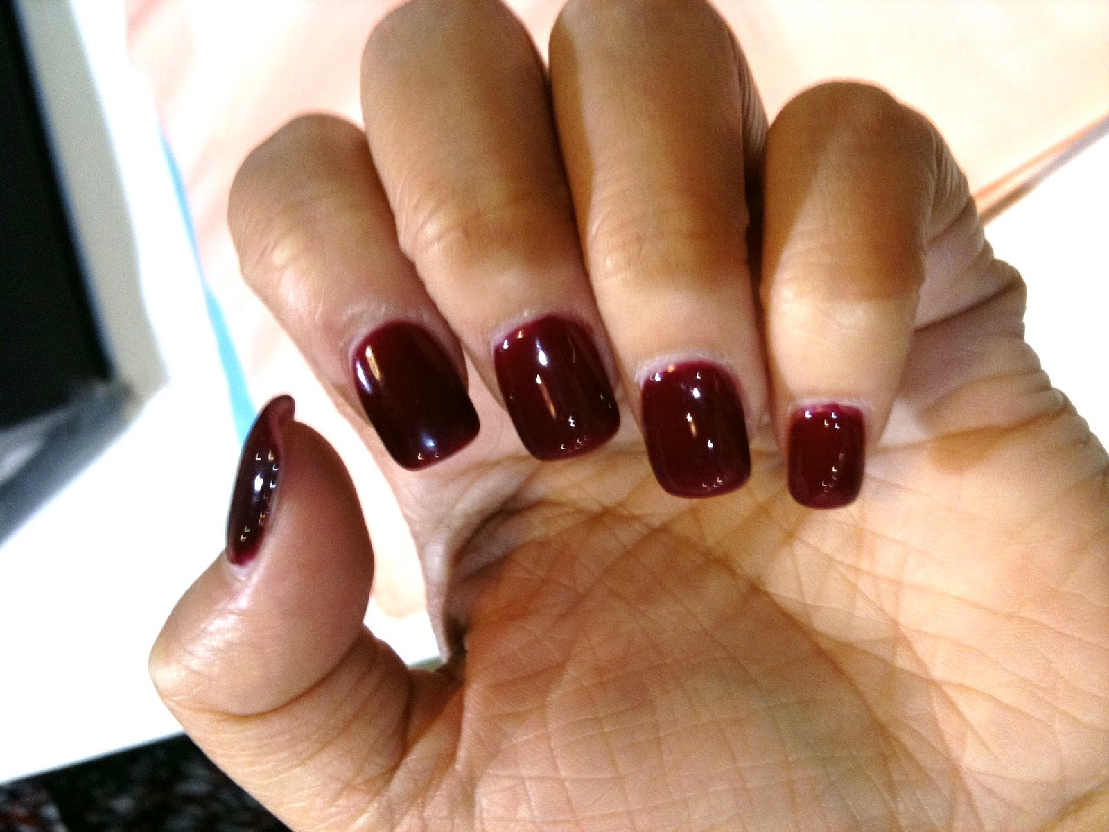 Sweet dreams for Queen Bees: Shellac Nails.
