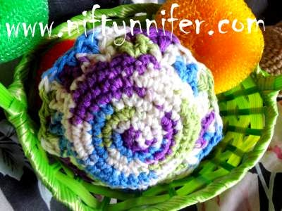 http://www.niftynnifer.com/2013/09/free-crochet-fancy-scrubby-by.html