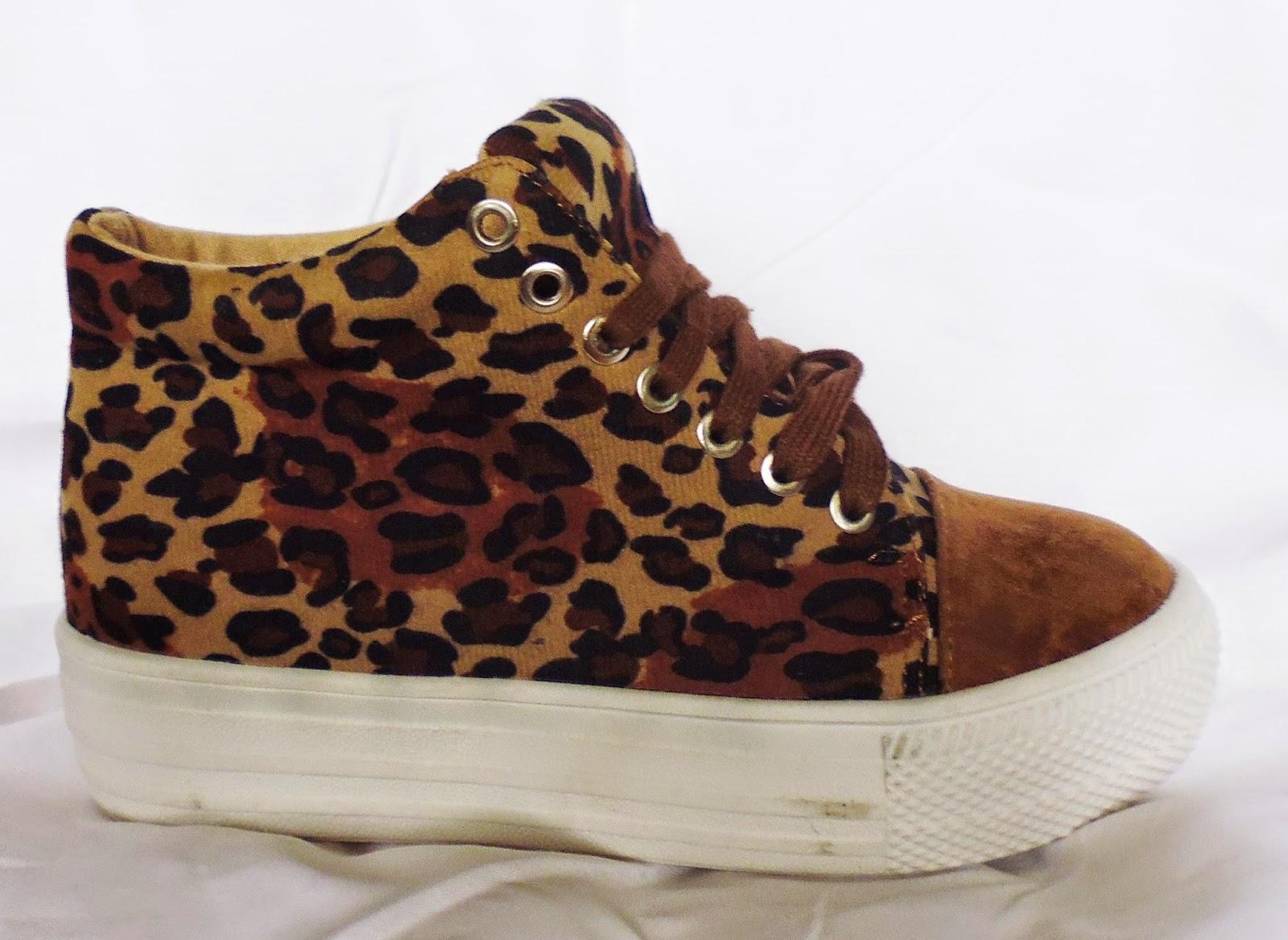 http://www.ebay.fr/itm/baskets-plates-leopard-semelle-epaisse-35-36-37-38-39-40-41-confortables-jolies-/301190668760?ssPageName=STRK:MESE:IT