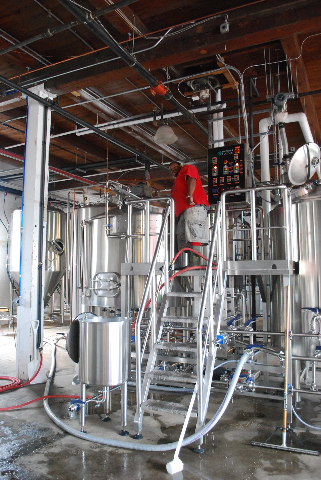 Beer in baltimore union craft brewing fires up for Union craft brewing baltimore md