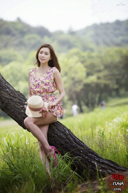 Choi Yu Jung - Fabulous Outdoor Pics